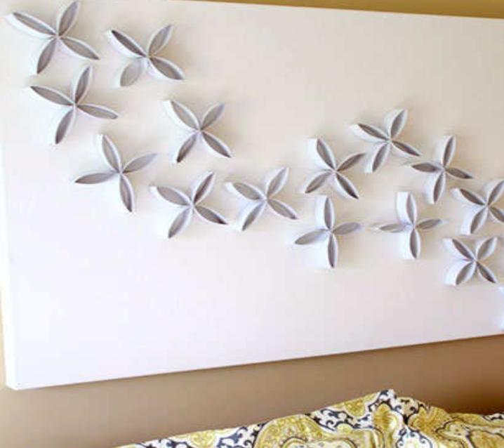 Заметила у подруги красивый аксессуар на стене, оказалось, она все сделала сама из нескольких втулок туалетной бумаги