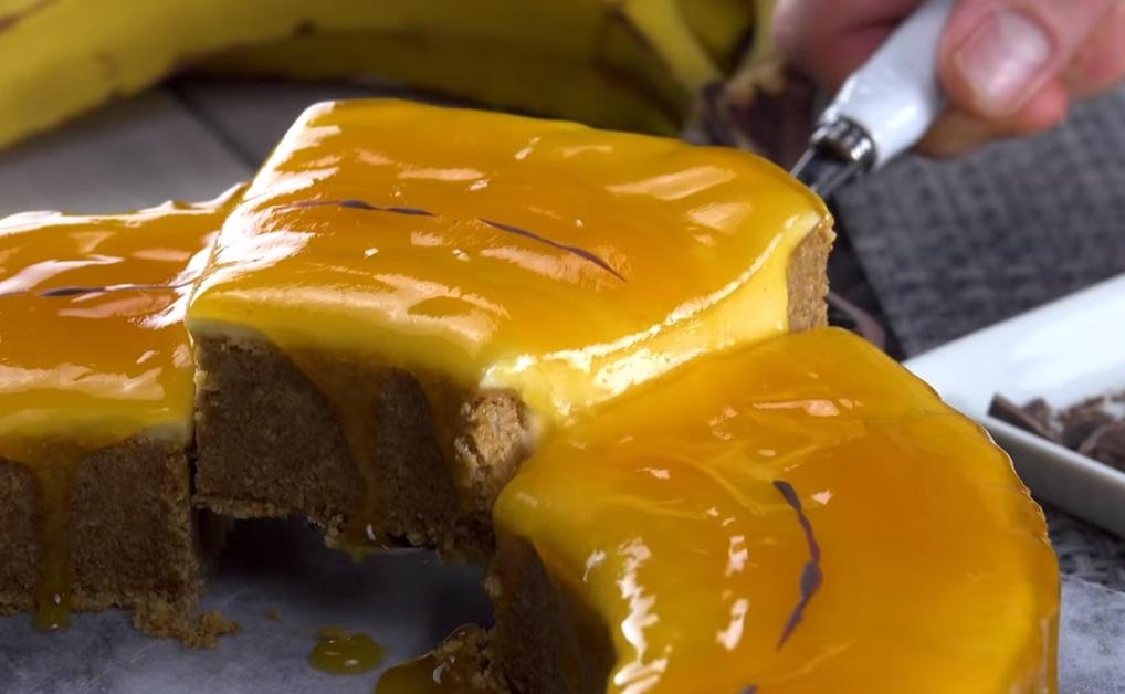 Пирог в виде банана никого не оставит равнодушным: его даже не нужно печь