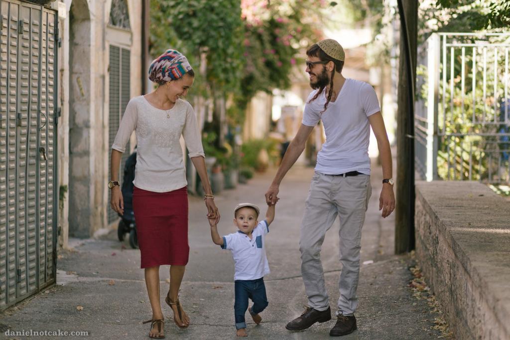 Зимой была в Израиле, и мне довелось увидеть, как евреи поздравляют женщин в День матери. Жаль, что в России этот праздник не так чтят