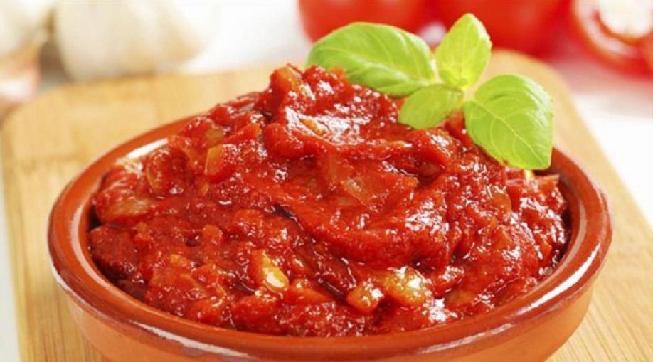 Превращаем банальное блюдо в фирменное: 7 соусов, которые всегда выручат