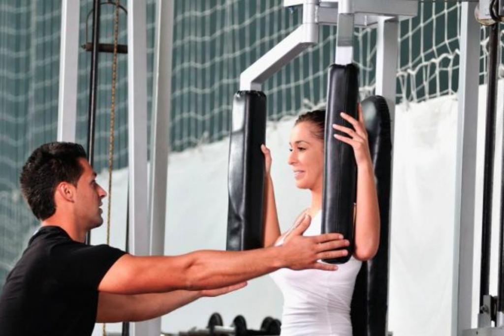 Он дает советы о здоровом питании: признаки плохого персонального тренера