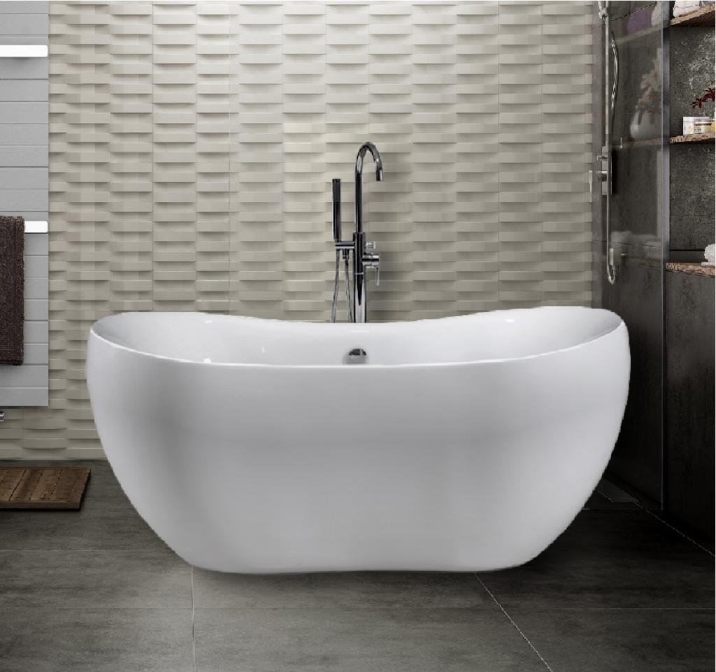 Наша новая ванна легкая, белоснежная. Специалисты нам подсказали, чем можно чистить акриловые ванны в домашних условиях