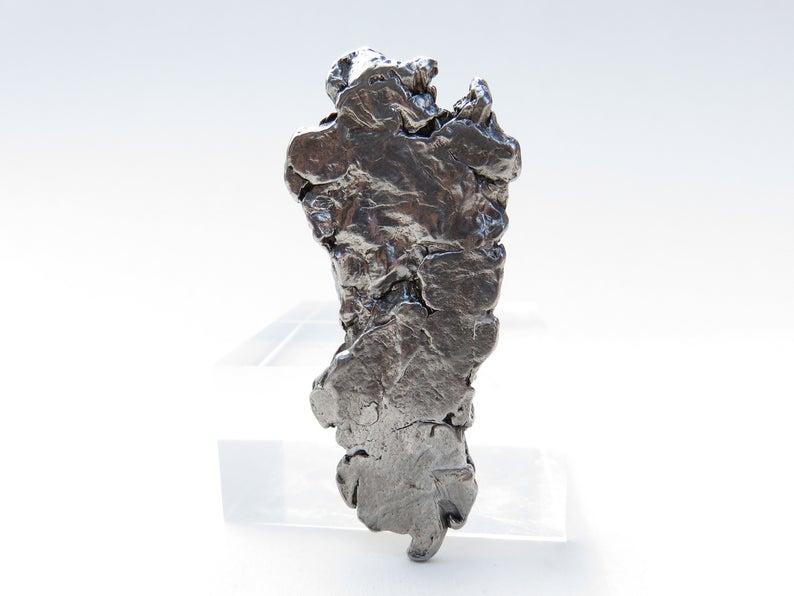 Алмазы, чистое золото и кусочек аргентинского метеорита: итальянский дизайнер создал туфли за 20 млн долларов