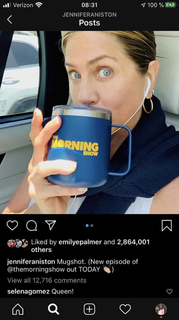 Селена Гомес оставила комментарий в Instagram Дженнифер Энистон и рассказала, почему так ее любит