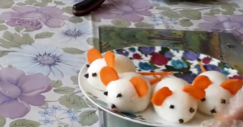 Встречаем год Крысы во всеоружии: красивый и вкусный салат  Апельсинка  с крутыми  мышками