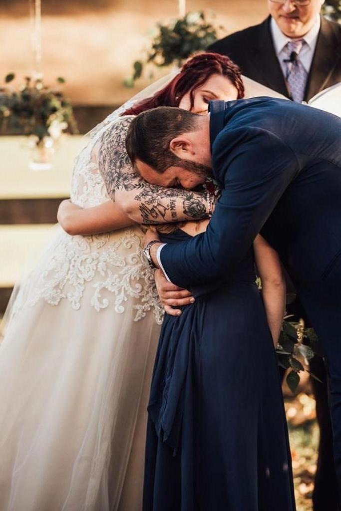 Жених дал клятву невесте и приемной дочери: будущая жена плакала от счастья