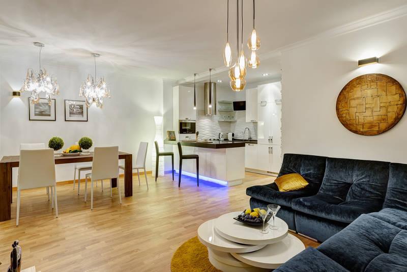 Освещение в доме для осенне-зимнего темного периода: советы дизайнеров для сохранения уюта и хорошего настроения