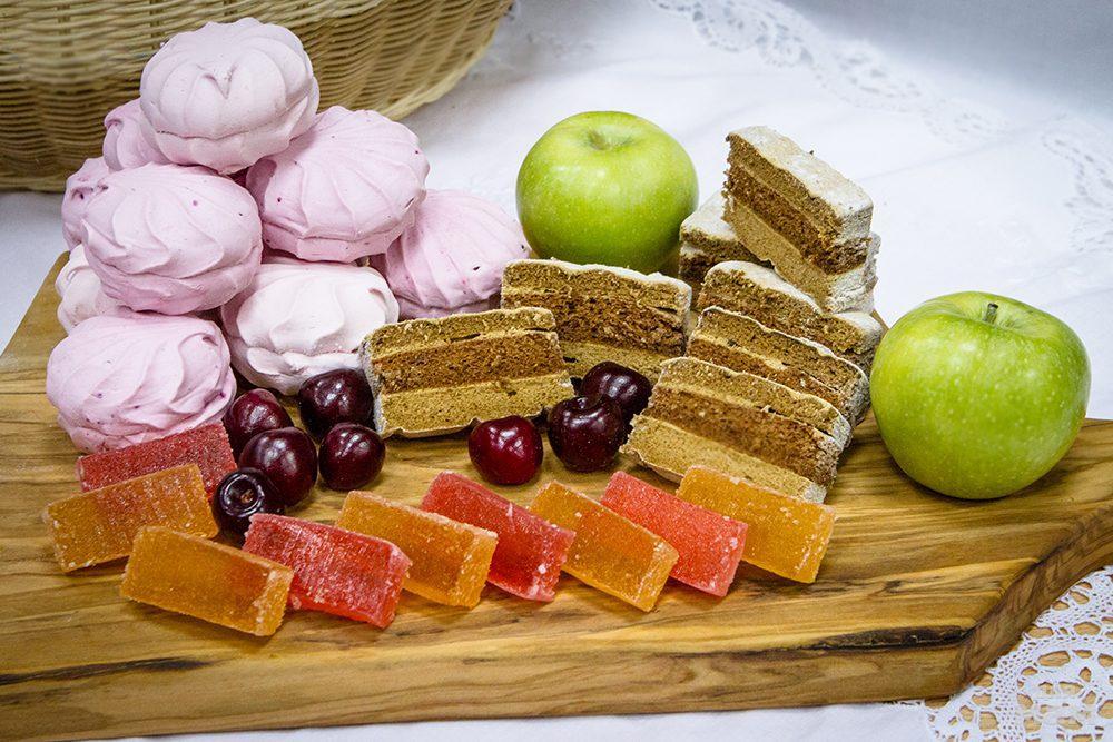 Диетолог назвала наименее вредные десерты: мармелад, пастила, зефир