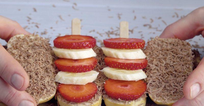 Придумала, как необычно приготовить сэндвичи на гриле: использовала палочки для мороженого
