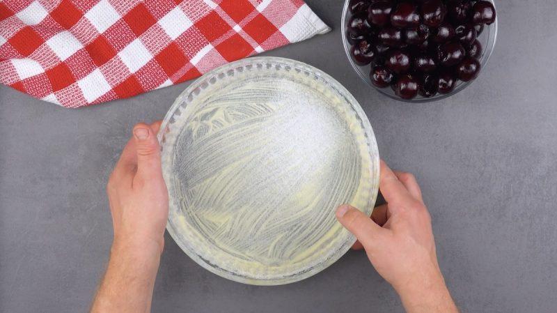 Сказочный вишневый пирог со сливочным сыром: воздушный десерт, который очень легко приготовить