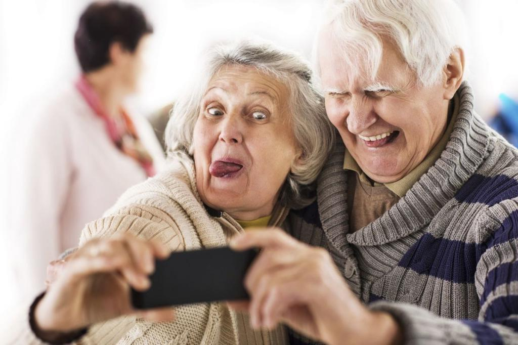 Быть оптимистом и максимально расслабиться: психолог рассказал, как не стареть душой и радоваться старости