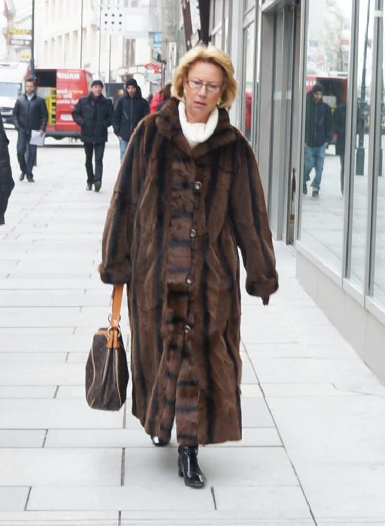 Когда я шла по улицам Мюнхена в шубе и высоких сапогах, прохожие оборачивались. То, как одеваются немки, меня тоже очень удивило