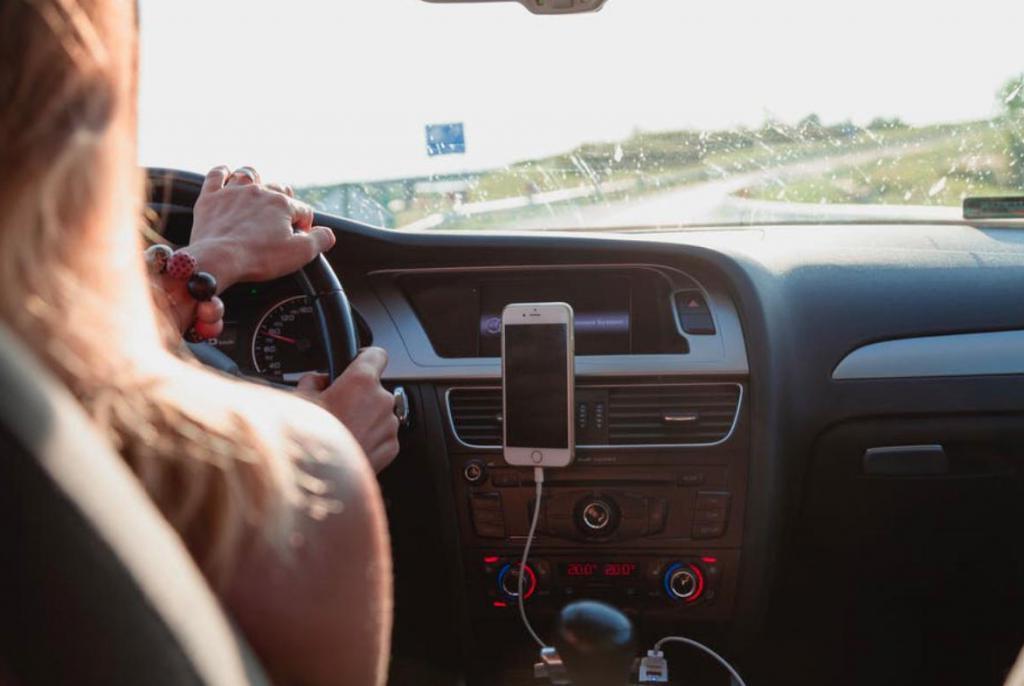 Часто напрягаете мышцы за рулем? Специалисты назвали 5 способов растяжки для мышц, которые помогут предупредить напряжение за рулем