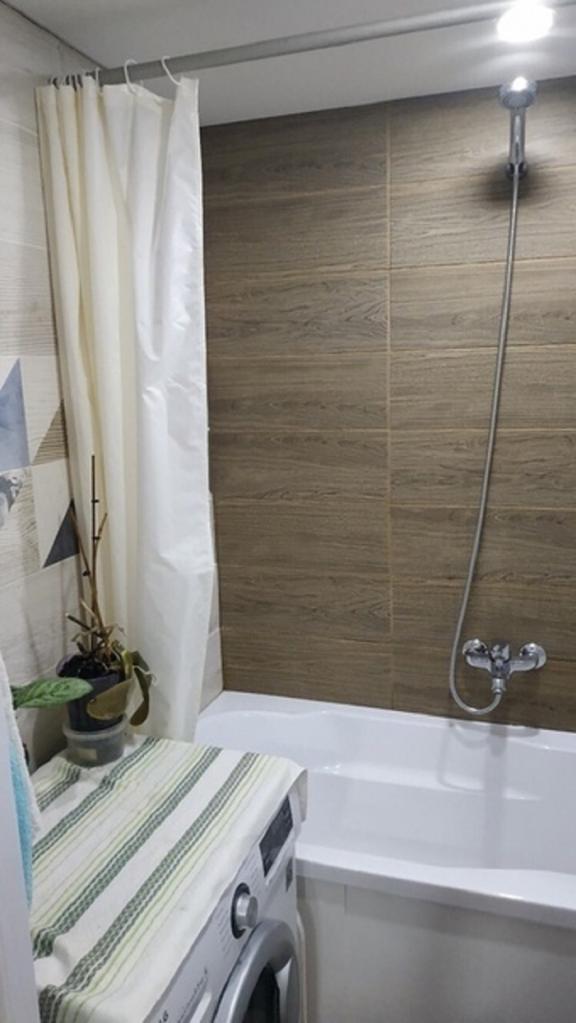 Имея всего 40 тысяч, мы решились на ремонт нашей ванной в хрущевке. Вышло уютно: фото