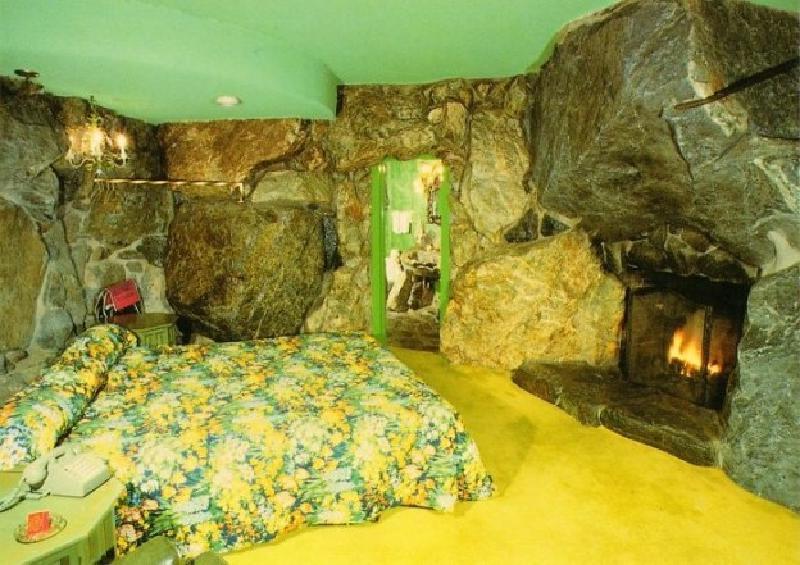Причуды дизайнеров не знают границ. 10 самых удивительных спален и кроватей