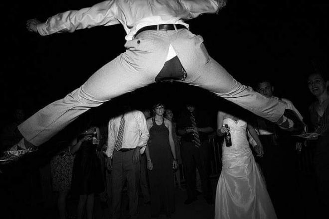 21 фото о том, что образцовые свадьбы бывают только в кино )))