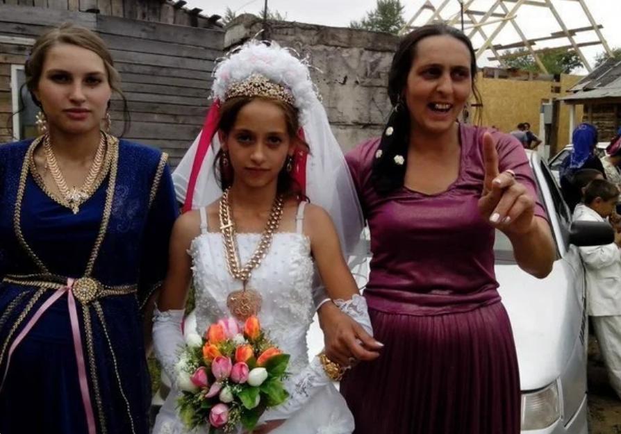 Невесте 12 лет, маме 24 года, бабушке 36: