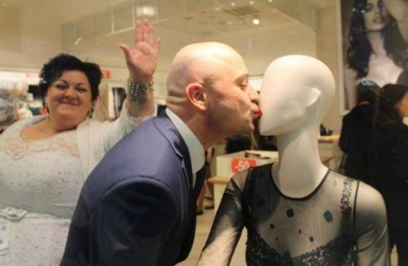25 странных свадебных фото из серии «Ну вот, опять опозорились!»