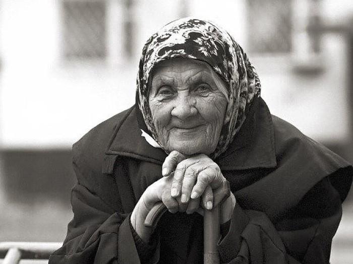 Сын совсем забыл про пожилую мать, и она подала на алименты. Все село пришло на суд посмотреть