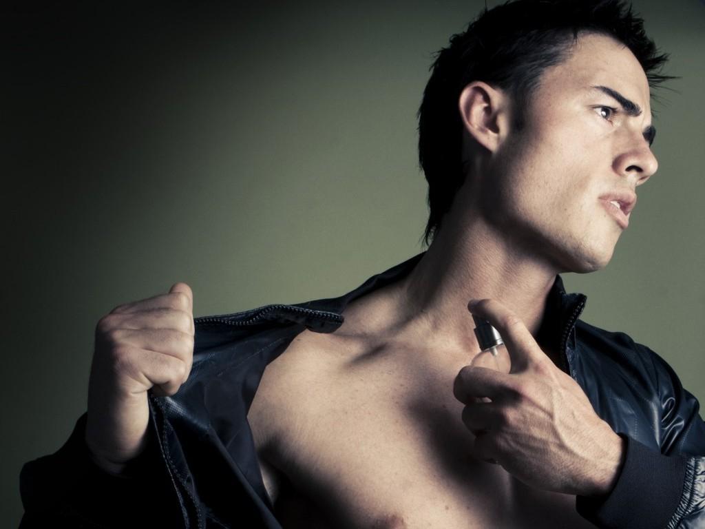 Сексопатолог советует: духи приносят мало пользы на первом свидании