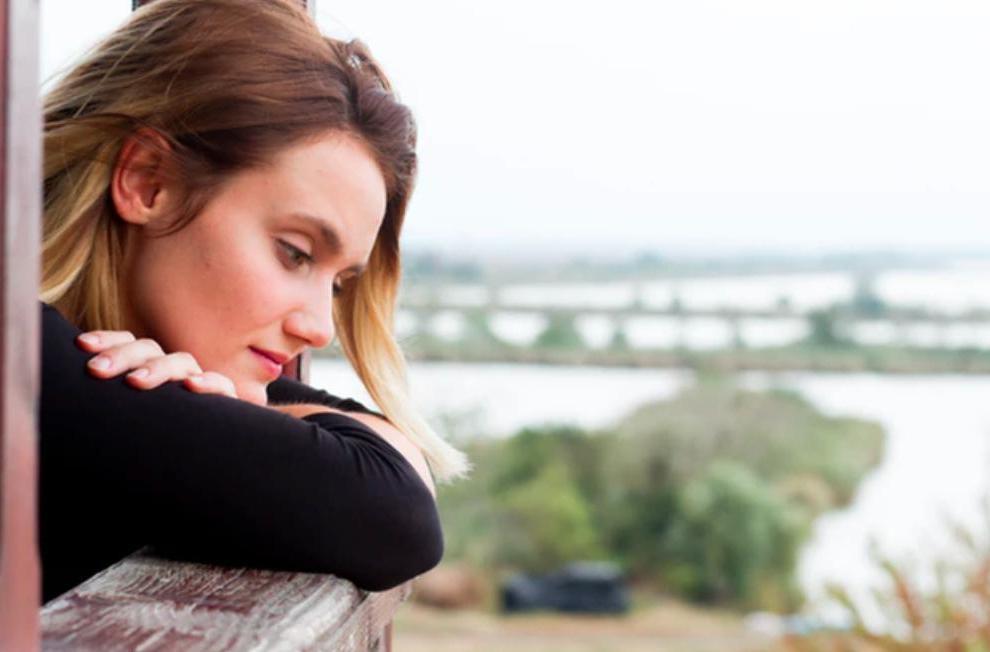 Психологи рассказали, что происходит с нашим организмом, когда мы боремся с чувствами к человеку