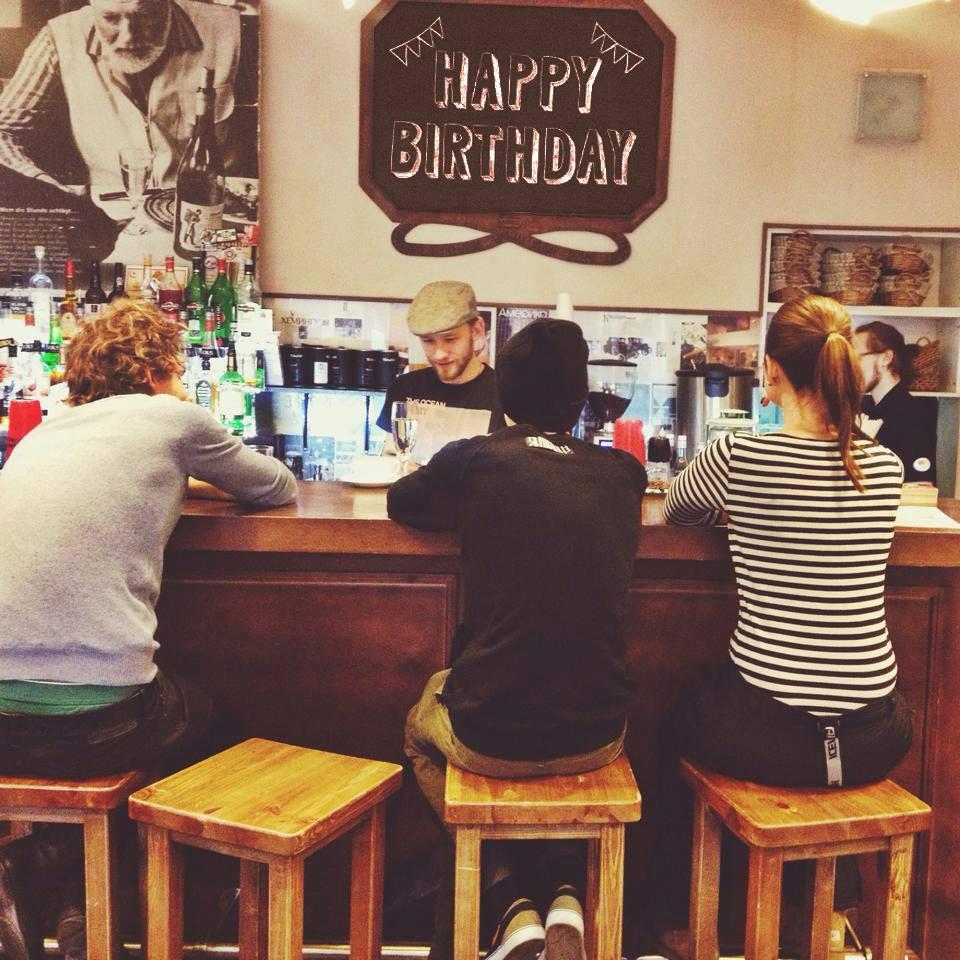 Невкусное вино: ситуации, когда в кафе уместно отправить заказ назад, и как это сделать
