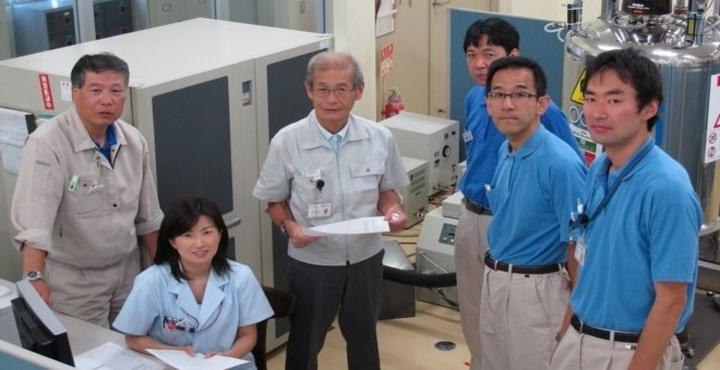 Японский ученый Акира Йошино обещает миру, что теперь смартфоны будут работать в полтора раза дольше