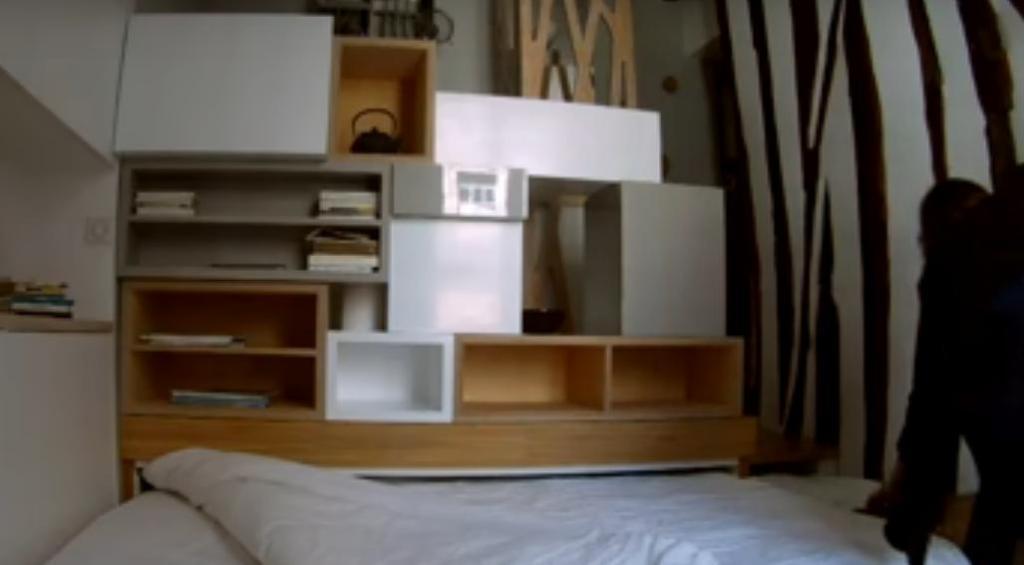 Женщина купила давно желанную квартиру в Париже: хотя она всего 12 кв. м, она сумела все шикарно обустроить