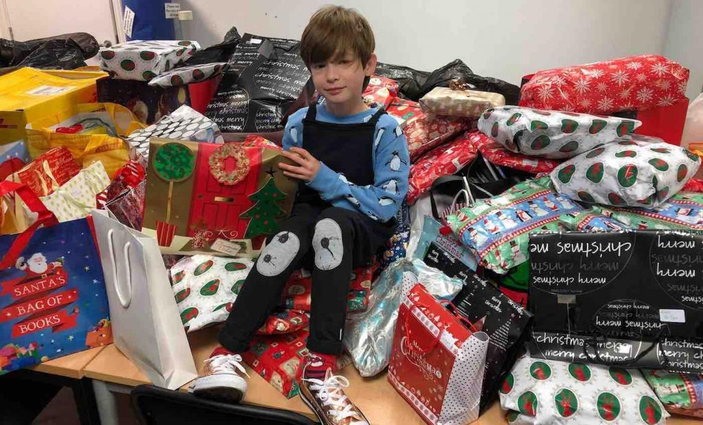 Его зовут Доминик: 10-летний мальчик собирает через свой сайт пижамы и книги, чтобы подарить детям в приютах