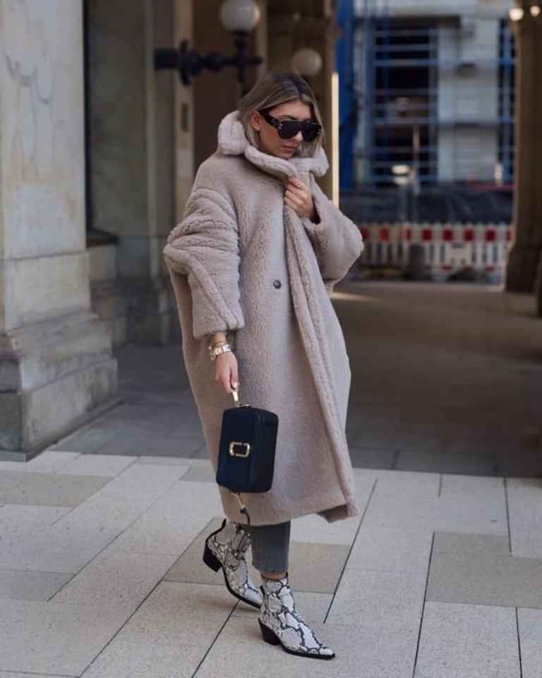 В пуховике нельзя выглядеть женственно, а пальто не согреет в мороз: мифы о зимней верхней одежде, с которыми пора покончить