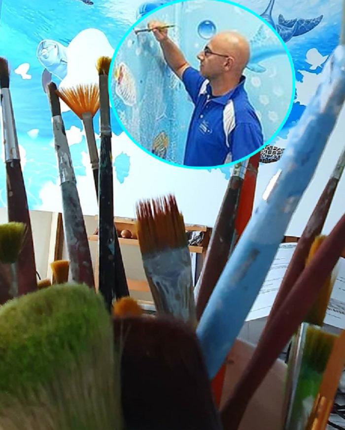 Итальянцу надоело смотреть на серые стены больниц, он взял краски и начал творить: как выглядят его работы