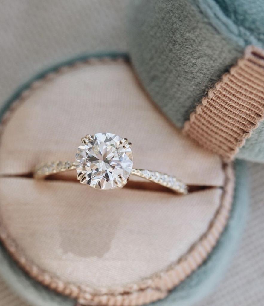 Девам понравится скромное украшение: как выбрать обручальное кольцо по знаку зодиака