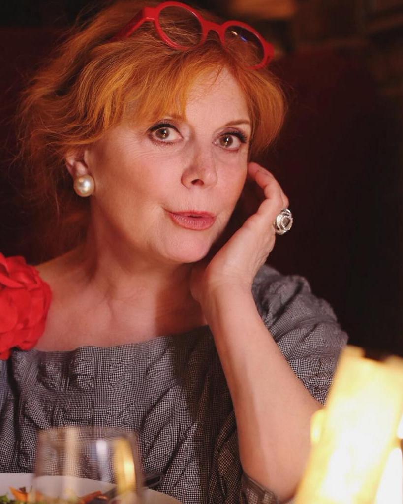 Женщина с юмором аристократки: кто по национальности Клара Новикова и какая ее настоящая фамилия