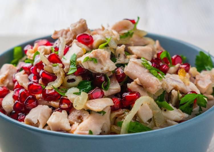 5 вкусных салатов без майонеза. С ними новогоднее застолье пройдет легче
