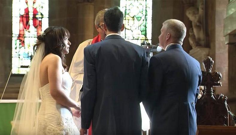 Жених покинул свадьбу прямо перед венчанием: его поступок заставил всех присутствующих смеяться до слез