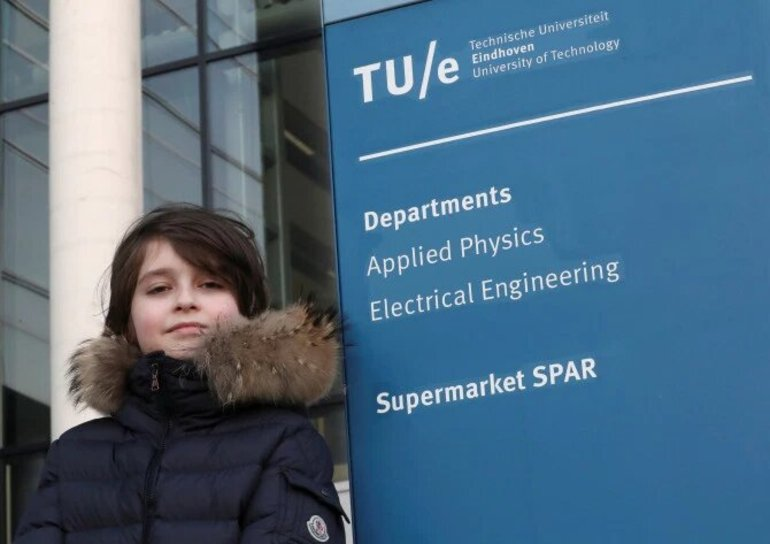 Мальчик-вундеркинд бросил университет, после того как ректор запретил ему сдавать выпускные экзамены до 10 лет