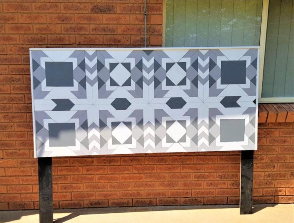 Мозаика из натурального дерева: как сделать красивое изголовье кровати со сложным геометрическим узором