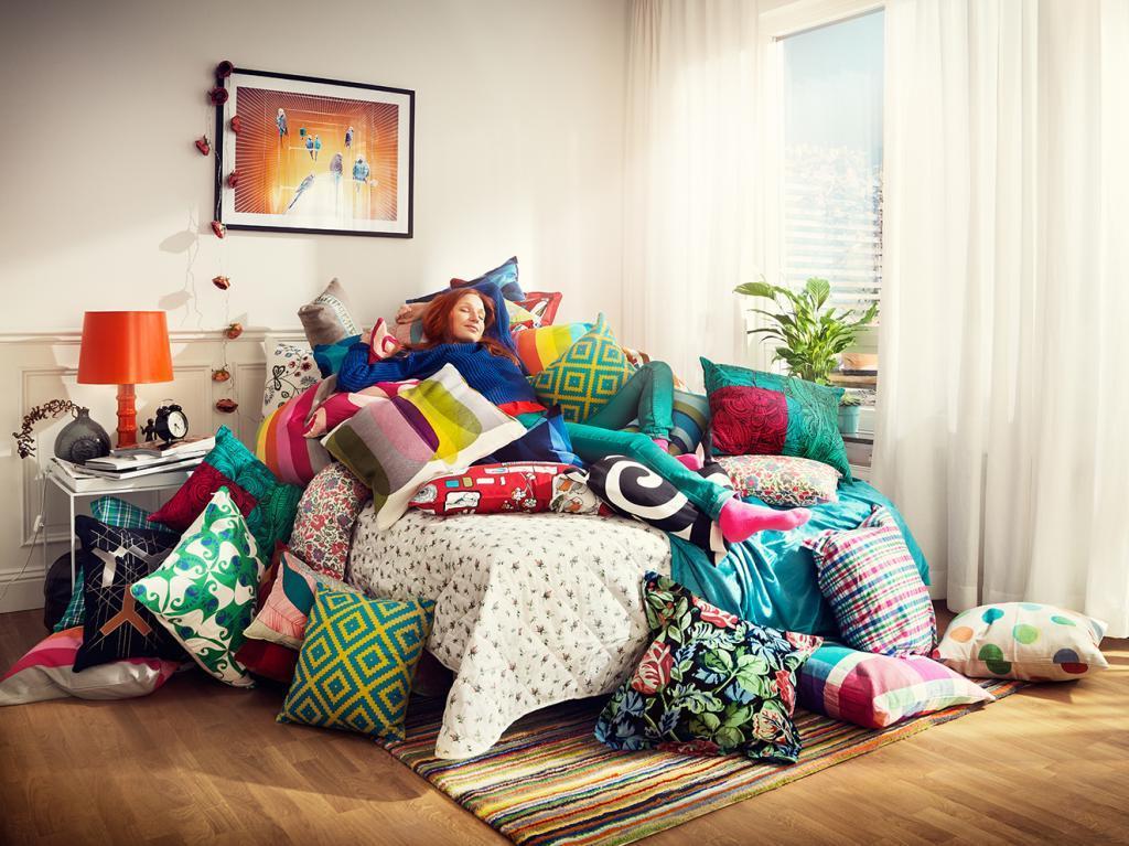 Взять любимую безделушку из детства и позвать маму обустраивать интерьер: как сделать жилище уютным, если вы живете один