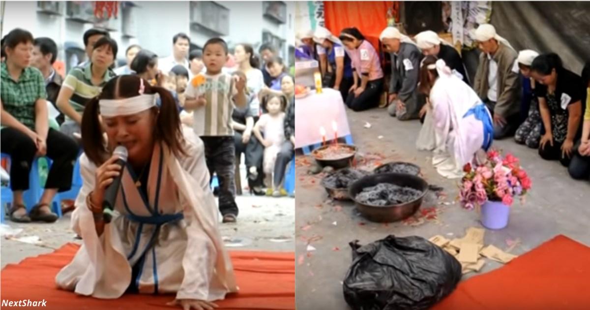 В Китае можно заработать  000 долларов, если плакать на чужих похоронах