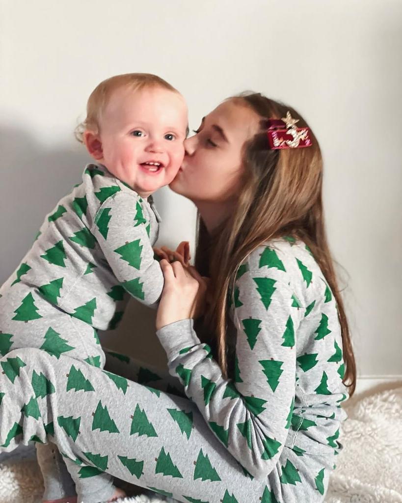 10 умилительных фотографий, которые докажут, что большая разница в возрасте не помеха для крепкой братско-сестринской любви