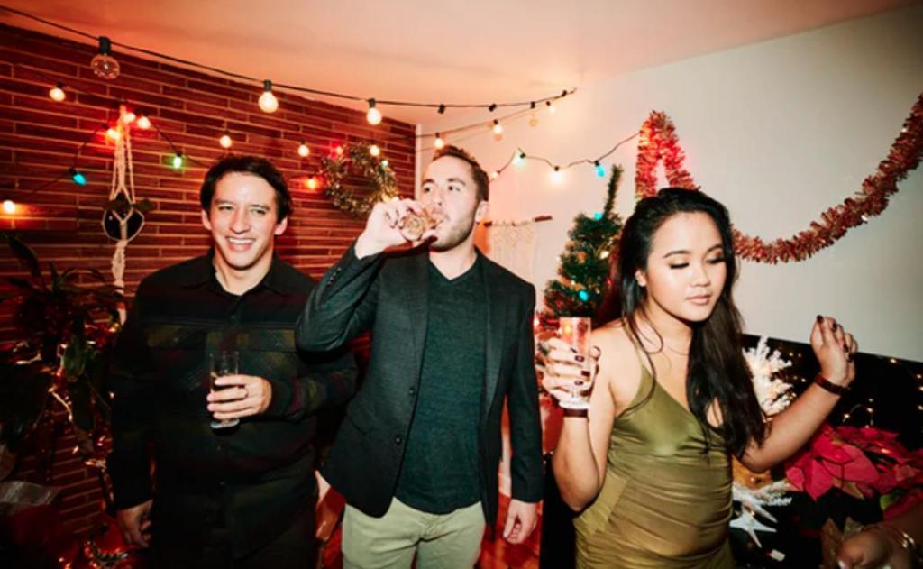 Почему нельзя пить алкоголь перед новогодней ночью: 5 интересных фактов от специалистов