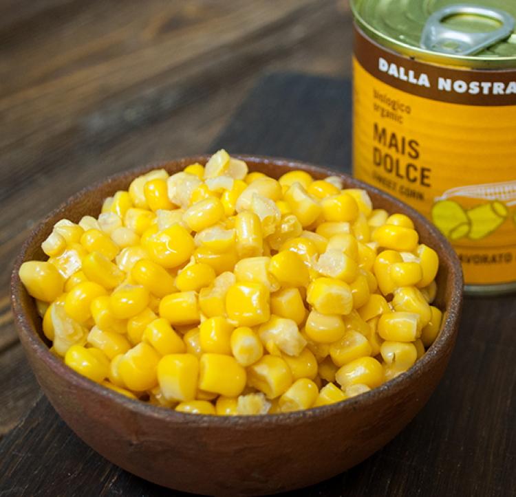 Вкуснейшее блюдо: сладкая кукуруза со сливками и тертым пармезаном. Идеальное дополнение праздничного стола