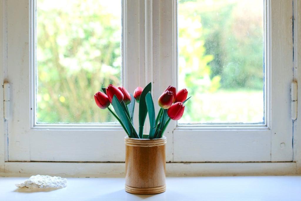 10 вещей, которые нужно делать вместо того, чтобы страдать из-за расставания: самое время купить себе свежие цветы