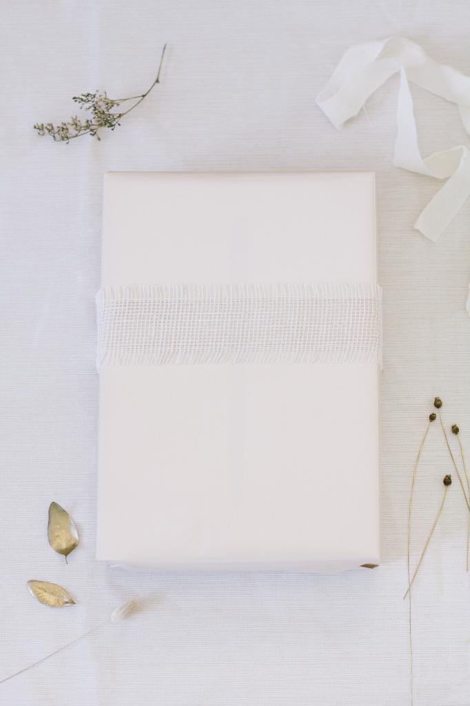 Креативный подход к упаковке подарков: как оформить коробочки травами и сухоцветами