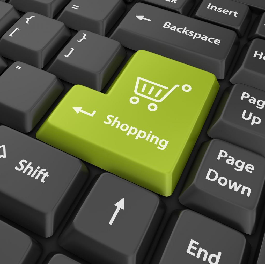 Чтобы обновка порадовала: как совершать покупки одежды онлайн как профи