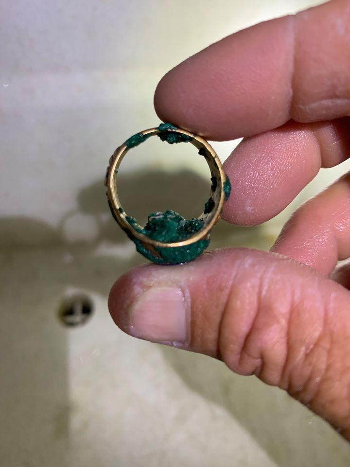 Кольцо с символом средней школы, потерянное в 1970 году на пляже Флориды, нашлось 50 лет спустя
