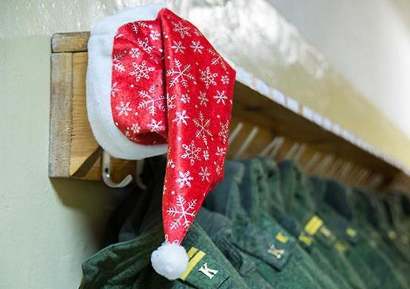 хочет любимый в армии поздравление с новым годом кисти дать движение