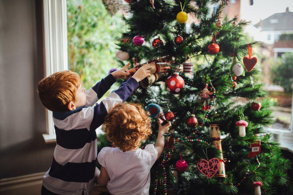 Женщина не любила Новый год, пока ее семья не придумала трогательную традицию