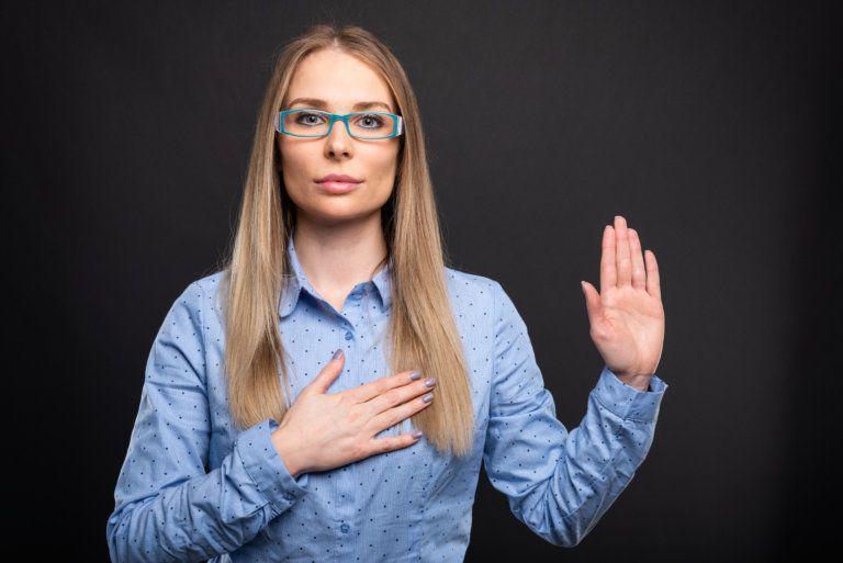 Жаловаться на собственную внешность, заниматься нелюбимым делом: 10 вещей, которые мы не должны позволять себе делать в 2020 году