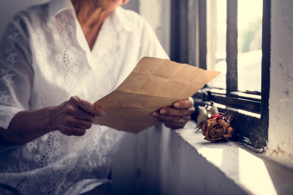 Наталья Ивановна прочитала письмо невестки к маме. Она поняла, что была несправедлива к Лене